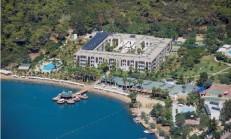 Crystal Greenbay Resort