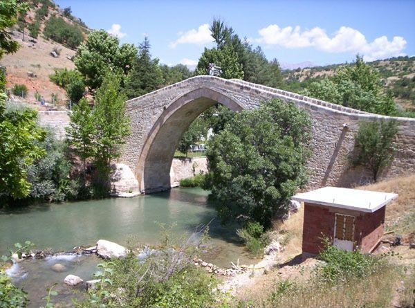 Çemişgezek Tagar Köprüsü