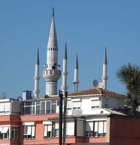 bitlis beş minareli camii.