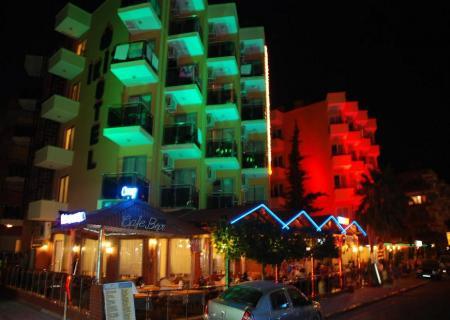Kleopatra ikiz otel gece manzarası