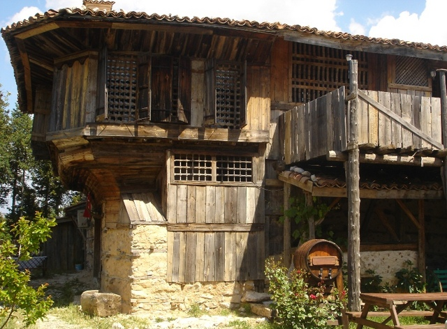 tarihi akseki evleri